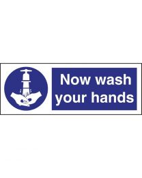 Vogue 'Now wash your hands' bord